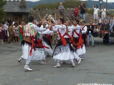 Majaelrayo - Pueblos arquitectura negra - Fiesta de los danzantes, Santo Niño; campamentos de monta